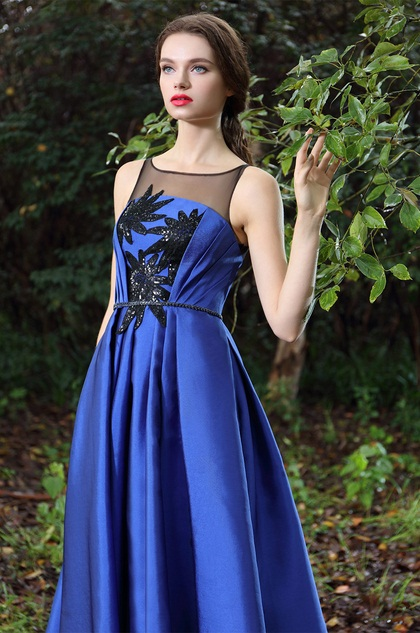 Blue Tea-length Party Dress with Lace Appliques