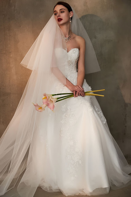 strapless sweetheart white wedding dress tulle and soft
